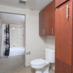 Отель Bridgestreet at Newseum Residences ванная фото 2