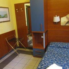 Отель Evergreen Стандартный номер с двуспальной кроватью