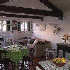 Отель Galera Cottage питание