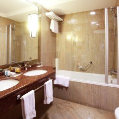 Гостиница Crowne Plaza Minsk 5* Стандартный номер двуспальная кровать фото 12