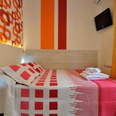Хостел Far Home Plaza Mayor Стандартный номер с двуспальной кроватью (общая ванная комната) фото 2