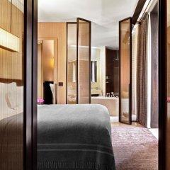 Bulgari Hotel Milan 5* Улучшенный люкс с различными типами кроватей фото 4
