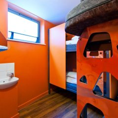 Clink78 Hostel Стандартный семейный номер с двуспальной кроватью (общая ванная комната) фото 3