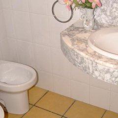 Отель Apartamentos Famara Испания, Льорет-де-Мар - отзывы, цены и фото номеров - забронировать отель Apartamentos Famara онлайн ванная фото 2