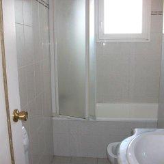 Отель Rocmar 3140 Испания, Курорт Росес - отзывы, цены и фото номеров - забронировать отель Rocmar 3140 онлайн ванная