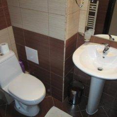 Апартаменты Green Life Ski & Spa Alexander Services Apartments Банско ванная