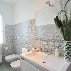 Отель Colpo d'Ali Holiday House Италия, Равелло - отзывы, цены и фото номеров - забронировать отель Colpo d'Ali Holiday House онлайн ванная