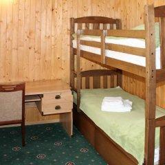 Гостиница Solnce Karpat Коттедж с различными типами кроватей фото 28