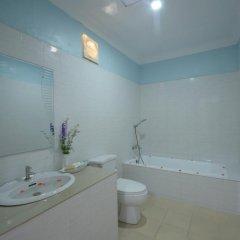 Отель Inlay Palace Hotel Мьянма, Хехо - отзывы, цены и фото номеров - забронировать отель Inlay Palace Hotel онлайн ванная фото 2