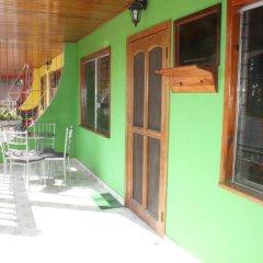 Отель Rainbow Village Гондурас, Луизиана Ceiba - отзывы, цены и фото номеров - забронировать отель Rainbow Village онлайн балкон