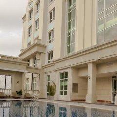 Отель The Manor Luxury 1BR Apartment Center Вьетнам, Хошимин - отзывы, цены и фото номеров - забронировать отель The Manor Luxury 1BR Apartment Center онлайн бассейн фото 2