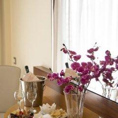 Manousos City Hotel 3* Стандартный номер с различными типами кроватей фото 5