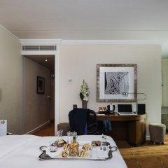 Отель Warwick Geneva 4* Стандартный номер с двуспальной кроватью фото 3
