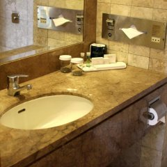Отель Furama City Centre 4* Улучшенный номер с различными типами кроватей фото 2