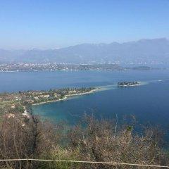 Отель Montecolo Resort Манерба-дель-Гарда приотельная территория