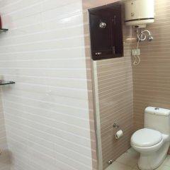 Отель OYO Rooms Gaffar Market 1 ванная