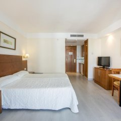 Отель Hipotels Bahía Grande Aparthotel комната для гостей