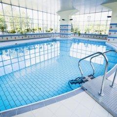 Отель Ceu Konferencia Központ бассейн