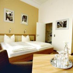 Hotel Deutsches Haus 3* Улучшенный номер с двуспальной кроватью фото 6