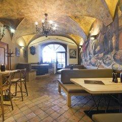 Отель Residence U Mecenáše Чехия, Прага - отзывы, цены и фото номеров - забронировать отель Residence U Mecenáše онлайн гостиничный бар