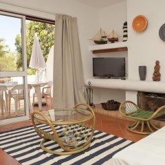 Отель Vilamoura Apartment with Pool Португалия, Картейра - отзывы, цены и фото номеров - забронировать отель Vilamoura Apartment with Pool онлайн комната для гостей фото 2