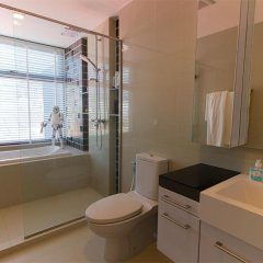 Отель The Deck Condominium by Alexanders ванная