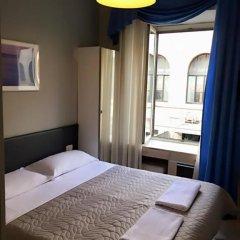 Отель Overseas Guest House Стандартный номер с двуспальной кроватью фото 5