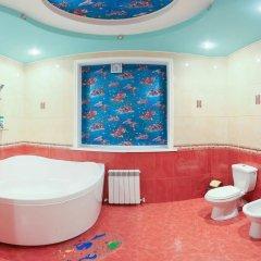 Гостиница Вита Стандартный семейный номер с двуспальной кроватью фото 9