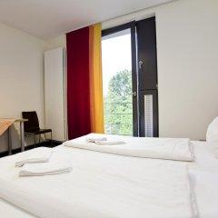 Отель Jugendherberge Düsseldorf Стандартный номер с различными типами кроватей фото 3