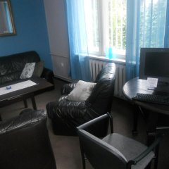 100Ten Hostel комната для гостей