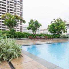 Отель Sea View Monarch Apartment Шри-Ланка, Коломбо - отзывы, цены и фото номеров - забронировать отель Sea View Monarch Apartment онлайн бассейн фото 2