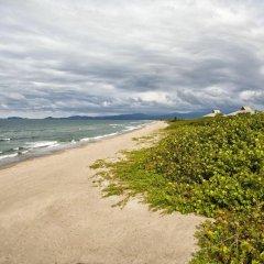 Отель Indura Resort пляж