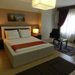 Отель Simal Airport Suites комната для гостей фото 2
