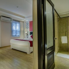 Oriental Central Hotel 3* Стандартный номер с различными типами кроватей фото 4
