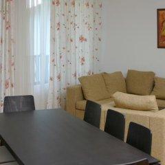 Апартаменты Grand Monastery Apartments Пампорово комната для гостей фото 2