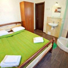 Гостиница Маринара Стандартный номер с двуспальной кроватью (общая ванная комната) фото 5