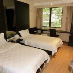 Forest Hotel - Guangzhou 3* Номер Бизнес с 2 отдельными кроватями