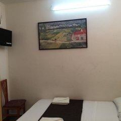 Отель Hostal Mont Thabor Номер категории Эконом с различными типами кроватей фото 7