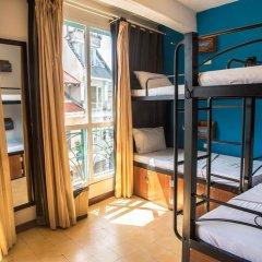 Отель Vietnam Backpacker Hostels Downtown Кровать в общем номере фото 9