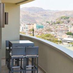 Отель Plaza Juancarlos Гондурас, Тегусигальпа - отзывы, цены и фото номеров - забронировать отель Plaza Juancarlos онлайн балкон