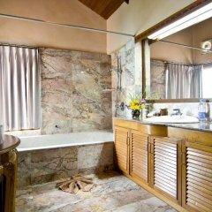 Отель Sandalwood Luxury Villas 5* Вилла с различными типами кроватей фото 4