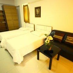 Отель At Home Phetkasem Таиланд, Бангкок - отзывы, цены и фото номеров - забронировать отель At Home Phetkasem онлайн комната для гостей фото 3