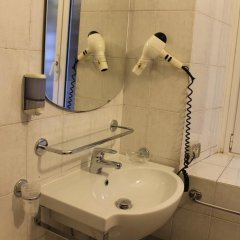 Отель Fiori 2* Стандартный номер с различными типами кроватей фото 4
