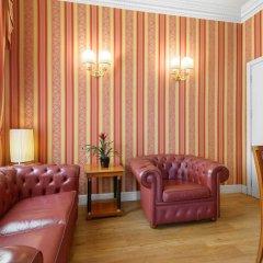 Hotel Gambrinus 4* Улучшенный номер двуспальная кровать фото 6