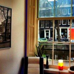 Отель Tulip of Amsterdam B&B балкон