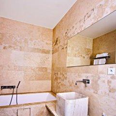 Отель Golden Crown 4* Улучшенный номер с двуспальной кроватью фото 39