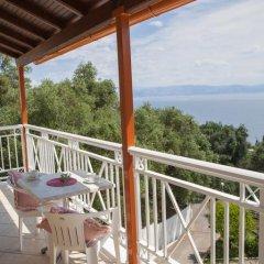 Апартаменты Brentanos Apartments ~ A ~ View of Paradise Семейные апартаменты с двуспальной кроватью фото 42