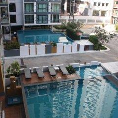 Neo Hotel Pattaya бассейн