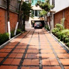 Отель Suites del Carmen - Pino Мехико парковка