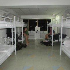 Sibamboo Hostel & Bar Бангкок комната для гостей фото 5